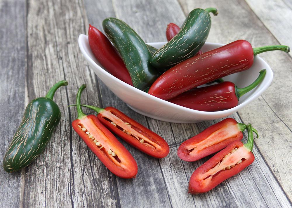 paprika peperoni und chili sorten und kulturtipps. Black Bedroom Furniture Sets. Home Design Ideas